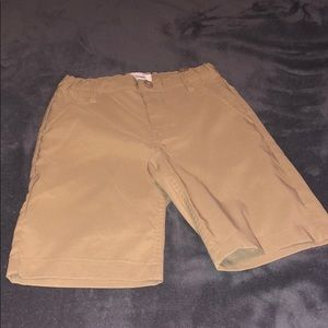 Boys size 7 Old Navy khaki shorts